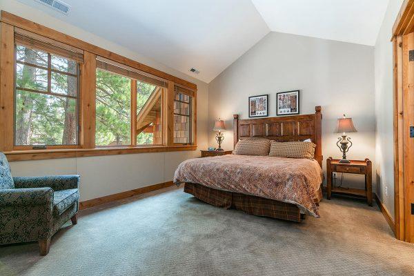 13113-Fairway-Dr-Truckee-CA-007-4-Bedroom-Three-MLS_Size