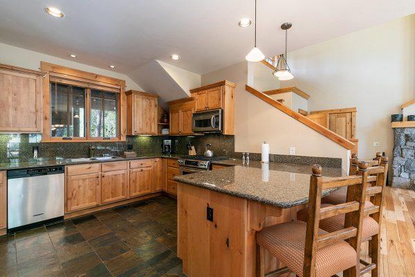 13113-Fairway-Dr-Truckee-CA-019-7-Kitchen-MLS_Size