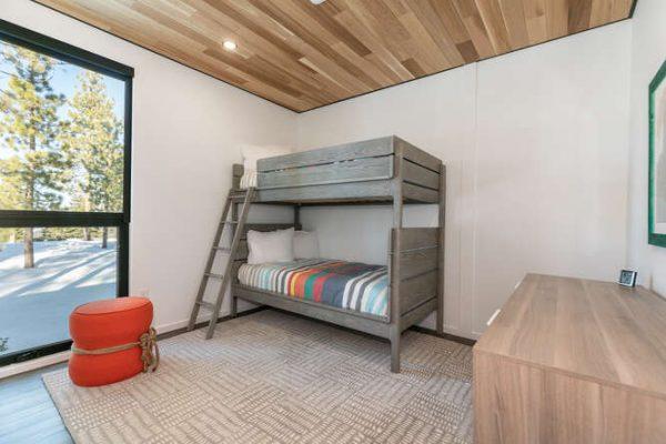 19140 Glades Place Truckee CA-small-033-028-Bedroom Three-666x444-72dpi