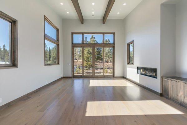 11040 Ghirard Rd Truckee CA-large-014-039-Living Room-1500x1000-72dpi