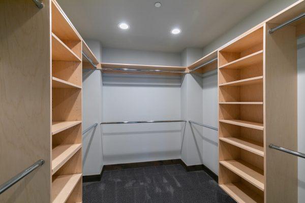 11040 Ghirard Rd Truckee CA-large-018-023-Closet-1500x1000-72dpi