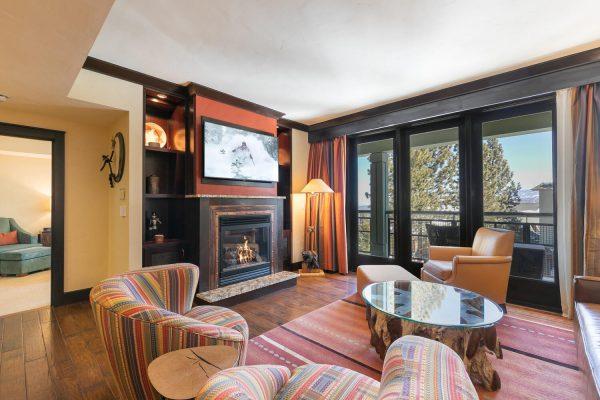 13051 Ritz Carlton Highlands-large-009-043-Living Room-1500x1000-72dpi