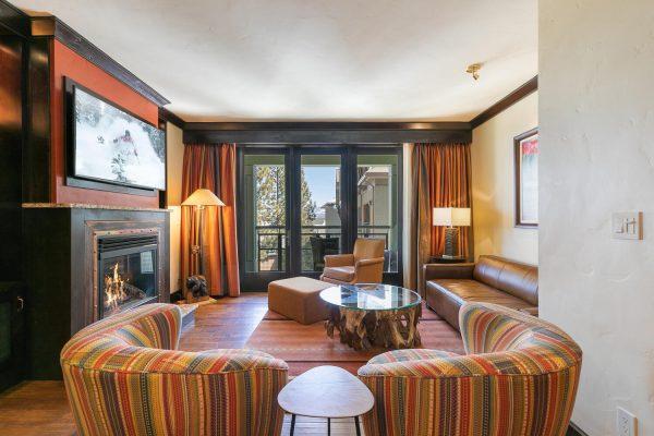13051 Ritz Carlton Highlands-large-011-037-Living Room-1500x1000-72dpi