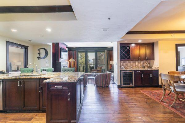 13051 Ritz Carlton Highlands-large-017-035-Kitchen-1500x1000-72dpi