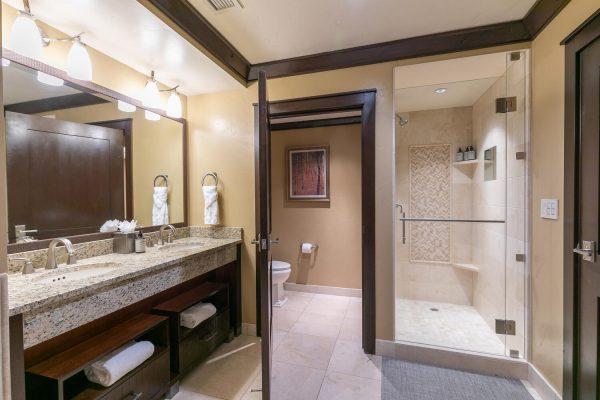 13051 Ritz Carlton Highlands-large-030-024-Bathroom One-1500x1000-72dpi