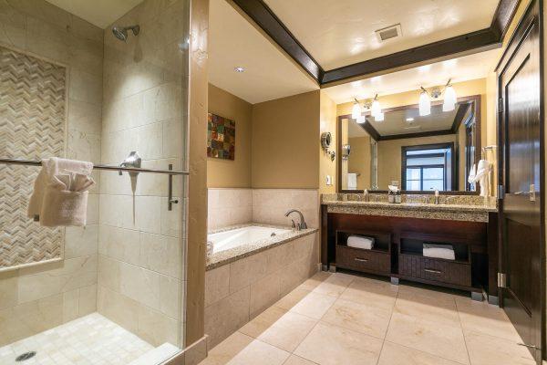 13051 Ritz Carlton Highlands-large-031-028-Bathroom Two-1500x1000-72dpi