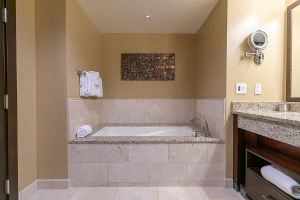 13051 Ritz Carlton Highlands-large-032-022-Bathroom One-1500x1000-72dpi