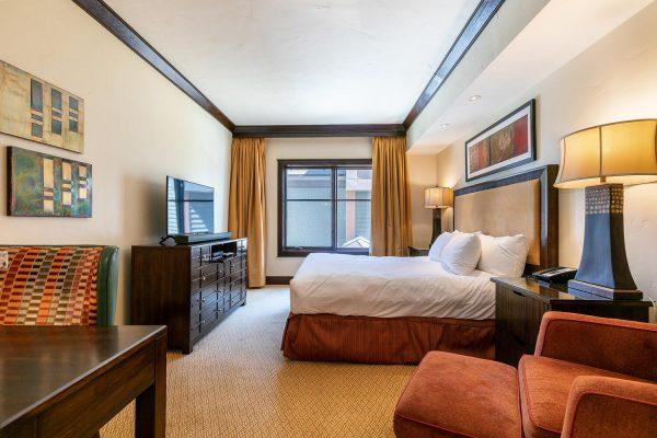 13051 Ritz Carlton Highlands-large-033-032-Bedroom Three-1500x1000-72dpi