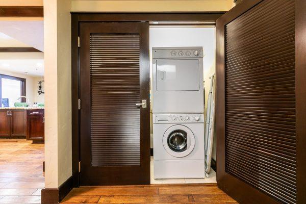 13051 Ritz Carlton Highlands-large-037-046-Laundry-1500x1000-72dpi