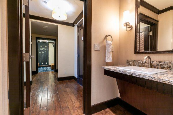 13051 Ritz Carlton Highlands-large-038-026-Bathroom Three-1500x1000-72dpi