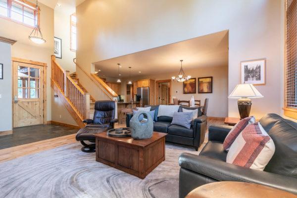 13125 Fairway Dr Unit 5C-large-012-038-Living Room-1500x1000-72dpi