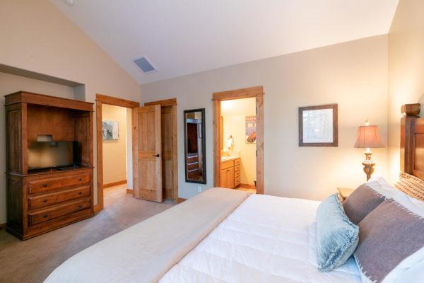 13125 Fairway Dr Unit 5C-large-032-029-Bedroom Two-1500x1000-72dpi