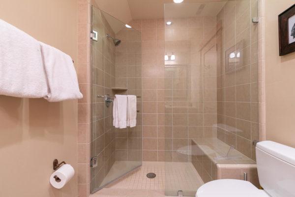 13125 Fairway Dr Unit 5C-large-034-019-Bathroom Two-1500x1000-72dpi