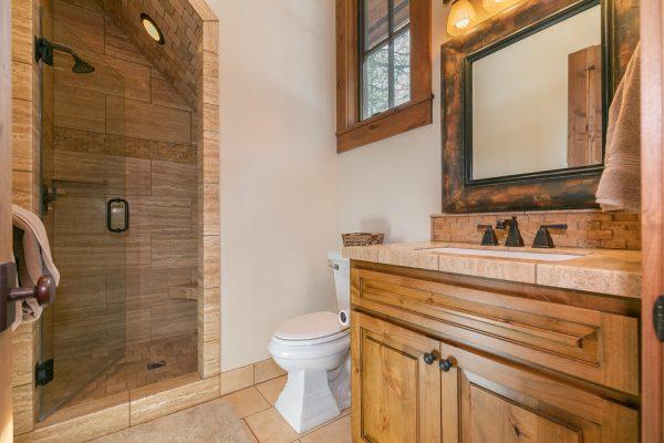 13534 Fairway Dr Truckee CA-large-030-019-Bathroom Three-1500x1000-72dpi