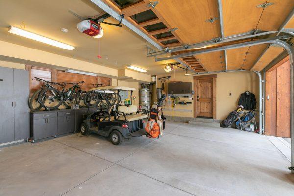 13534 Fairway Dr Truckee CA-large-036-031-Garage-1500x1000-72dpi