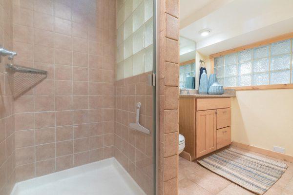 4066 Coyote Fork Truckee CA-large-027-013-Bathroom Two-1500x1000-72dpi