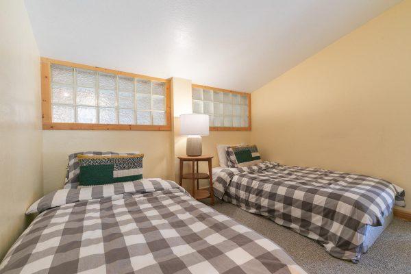 4066 Coyote Fork Truckee CA-large-029-018-Bedroom Three-1500x1000-72dpi