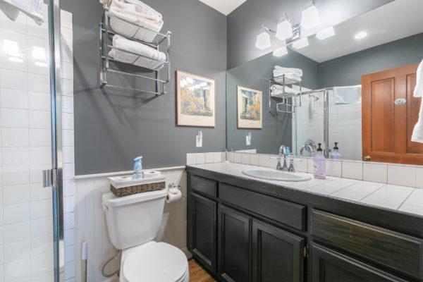 10230 Donner Pass Rd Truckee-print-031-017-Bathroom One-3360x2240-300dpi