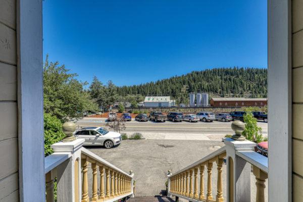 10230 Donner Pass Rd Truckee-print-043-011-ExteriorEntry-4200x2800-300dpi