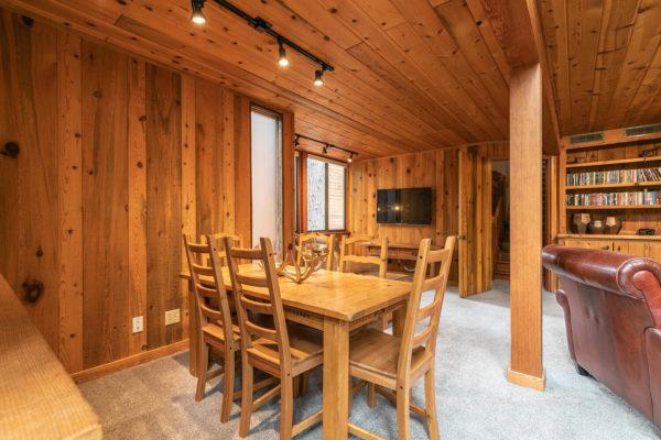 820 Beaver Pond Truckee CA-large-015-033-Living Room-1500x1000-72dpi