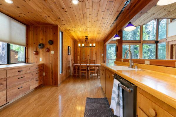 820 Beaver Pond Truckee CA-large-021-022-Kitchen-1500x1000-72dpi