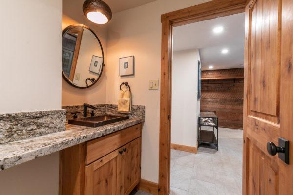 820 Beaver Pond Truckee CA-large-026-004-Bathroom One-1500x1000-72dpi