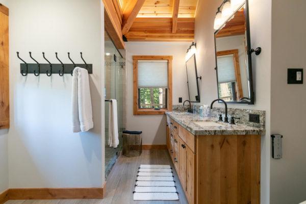 820 Beaver Pond Truckee CA-large-032-002-Bathroom Two-1500x1000-72dpi
