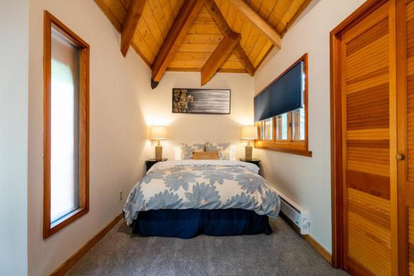 820 Beaver Pond Truckee CA-large-037-008-Bedroom One-1500x1000-72dpi
