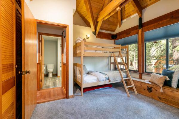 820 Beaver Pond Truckee CA-large-038-012-Bedroom One-1500x1000-72dpi