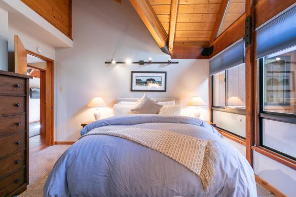 820 Beaver Pond Truckee CA-large-041-010-Bedroom Three-1500x1000-72dpi