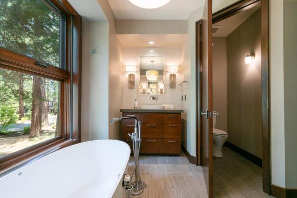 10263 Olana Dr Truckee CA-large-030-038-Bathroom Three-1500x1000-72dpi