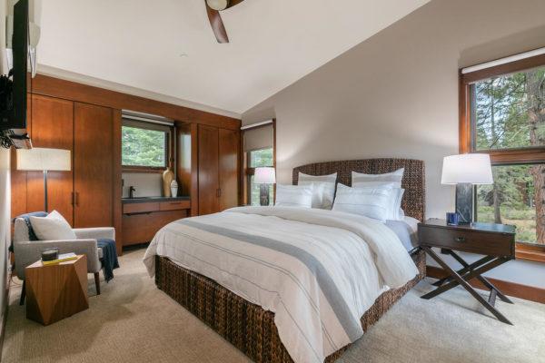 10263 Olana Dr Truckee CA-large-041-037-Bedroom four-1500x1000-72dpi