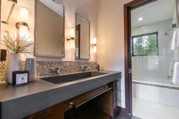 10263 Olana Dr Truckee CA-large-042-028-Bathroom Four-1500x1000-72dpi