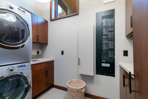 10263 Olana Dr Truckee CA-large-046-041-Laundry-1499x1000-72dpi