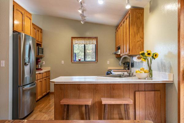 12276 Greenwood Dr Truckee CA-large-015-034-Kitchen-1500x1000-72dpi