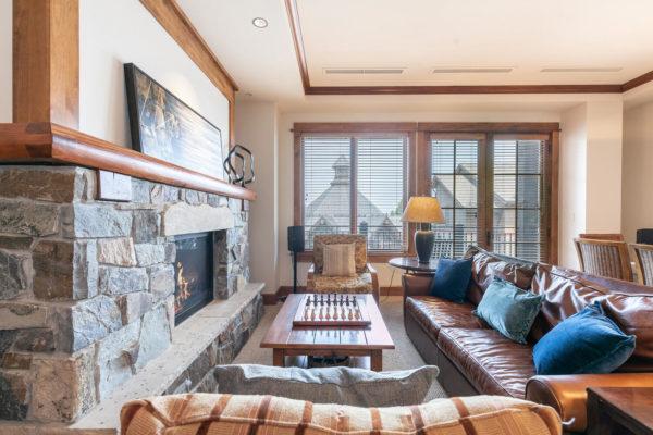 4001 Northstar Dr Unit 309-large-008-021-Living Room-1500x1000-72dpi