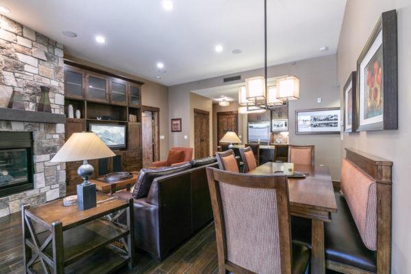 Dining Room-031-033-1500x1000