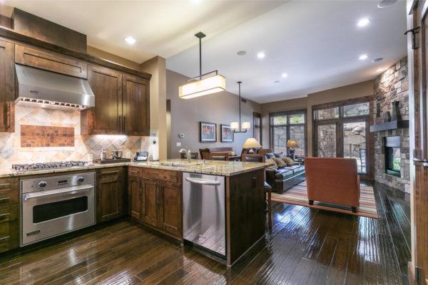 Kitchen-035-036-1500x1000