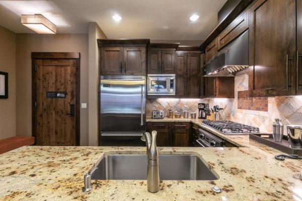 Kitchen-037-028-1500x1000