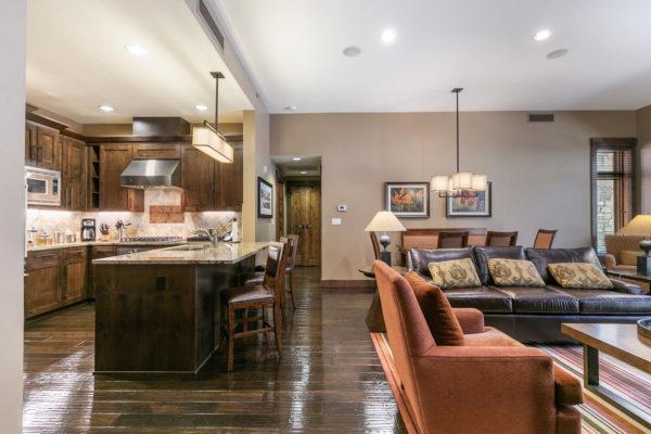 Living Room-041-040-1499x1000