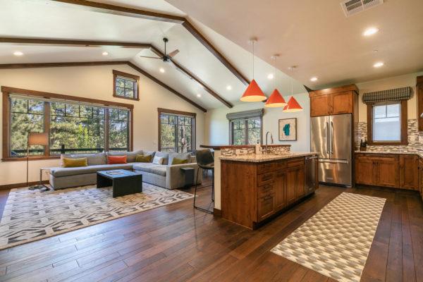 10189 Annies Loop Truckee CA-large-010-015-Living Room-1500x1000-72dpi