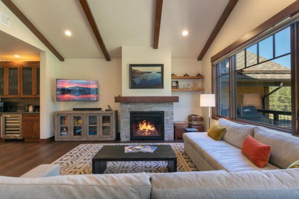 10189 Annies Loop Truckee CA-large-011-008-Living Room-1500x1000-72dpi
