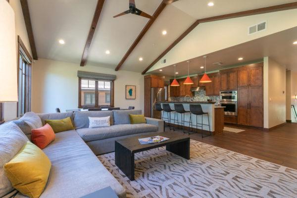 10189 Annies Loop Truckee CA-large-013-018-Living Room-1500x1000-72dpi