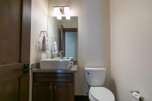 10189 Annies Loop Truckee CA-large-018-003-Bedroom One-1500x1000-72dpi