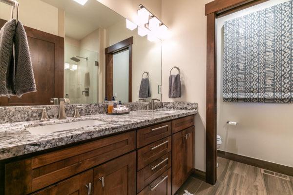 10189 Annies Loop Truckee CA-large-026-002-Bedroom Four-1500x1000-72dpi