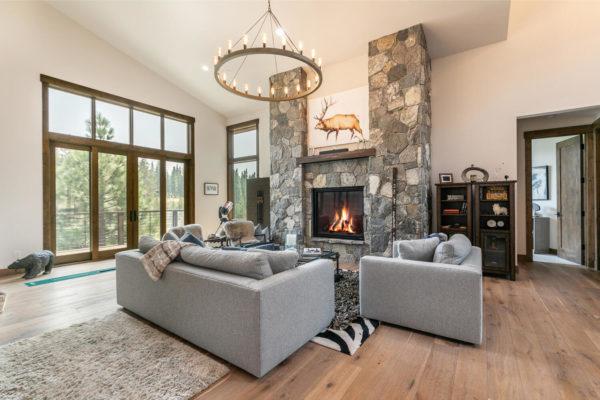11431 Ghirard Rd Truckee CA-large-014-024-Living Room-1499x1000-72dpi