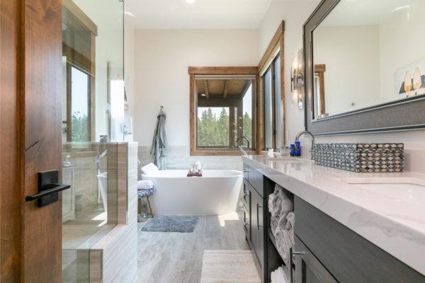 11431 Ghirard Rd Truckee CA-large-025-004-Bathroom One-1500x1000-72dpi