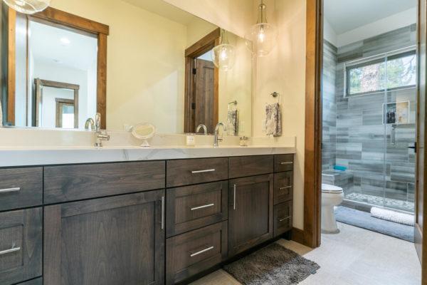 11431 Ghirard Rd Truckee CA-large-031-008-Bathroom Four-1500x1000-72dpi
