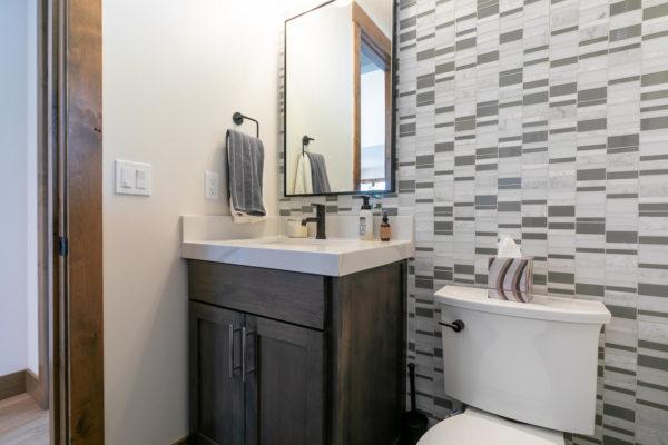 11431 Ghirard Rd Truckee CA-large-039-002-Bathroom Five-1500x1000-72dpi