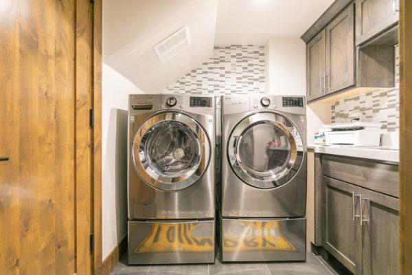 11431 Ghirard Rd Truckee CA-large-040-015-Laundry-1500x1000-72dpi
